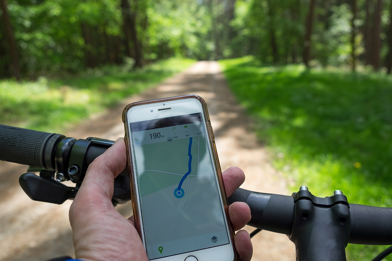 Awesome Cycling Apps for Your Phones