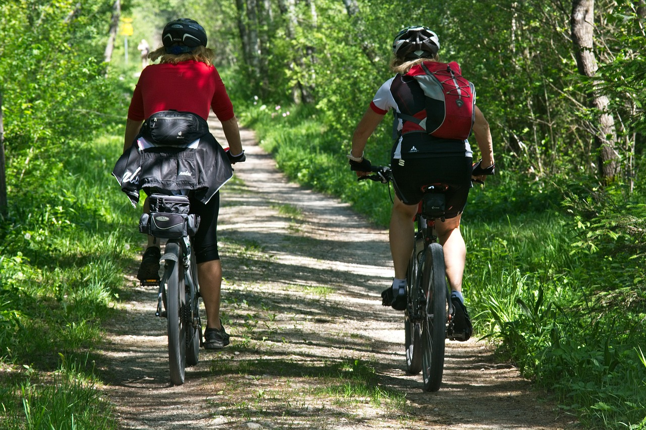 5 Items You Should Carry While Cycling